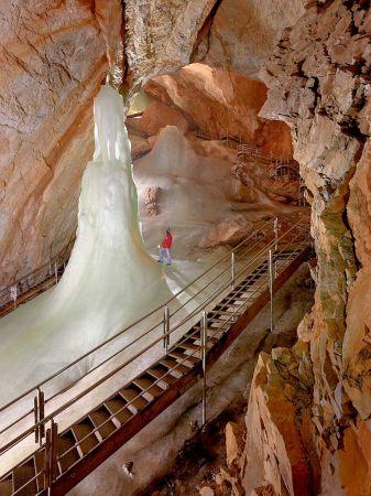 Die größten Eishöhlen der Welt